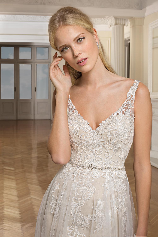 Cosmobella Brautkleider Kollektion Brautmode Glamour Ihr