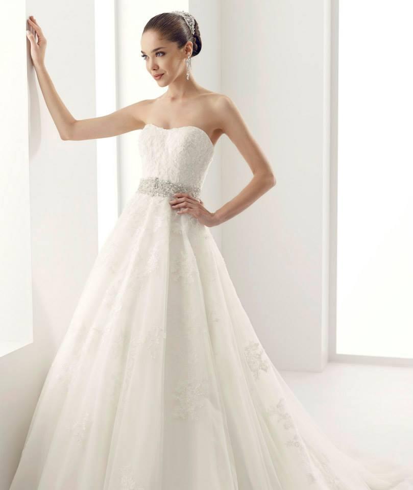 Jolies Brautkleider Kollektion Brautmode Glamour Ihr Spezialist