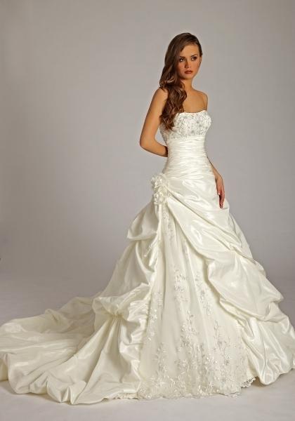 bdf93725fd9 Lisa Donetti Brautkleider Kollektion ✪ Brautmode-Glamour Ihr ...